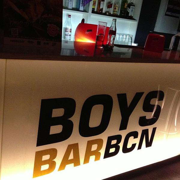 boys bar bcn gay