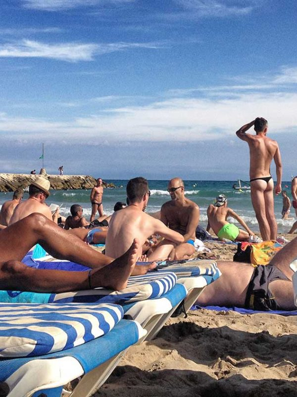 Le spiagge nudiste gay di sitges