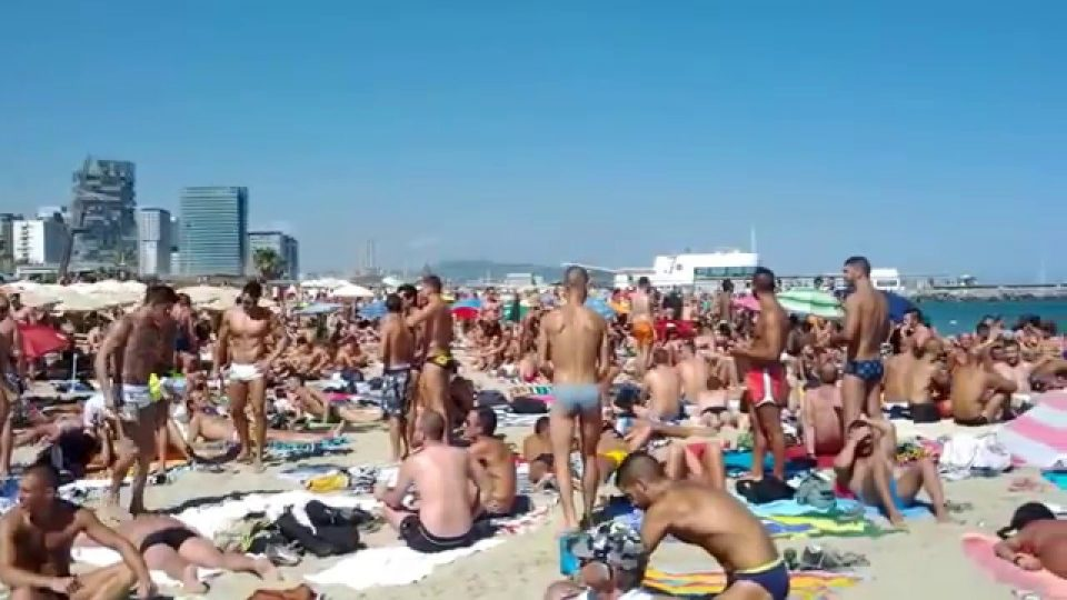 mar bella spiaggia gay barcellona